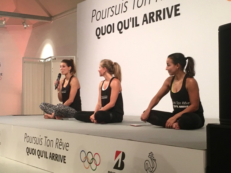 Laury Thilleman, FrenchYogaGirl et Sarah Ourahmoune